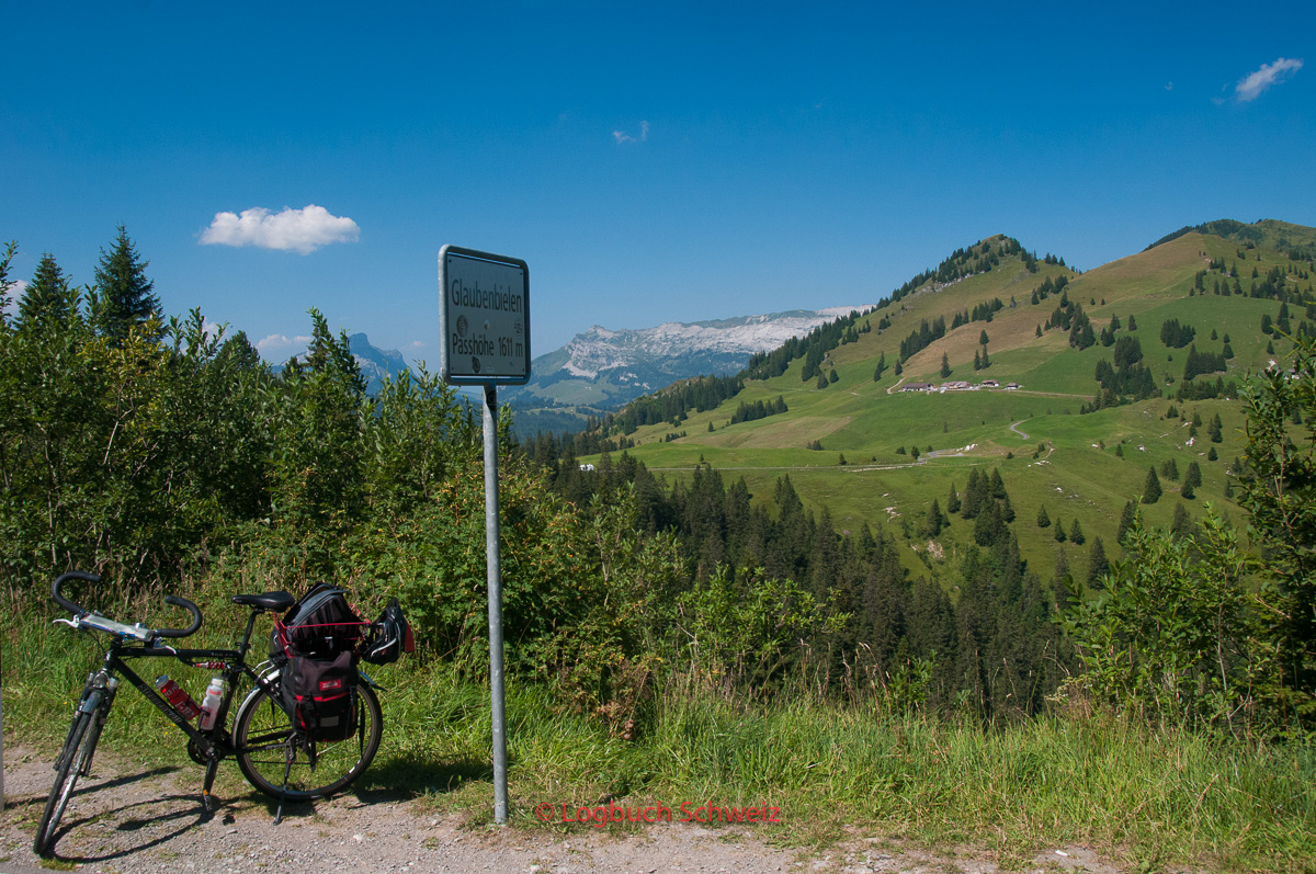 Glaubenbielenpass mit dem Fahrrad, Panoramastraße