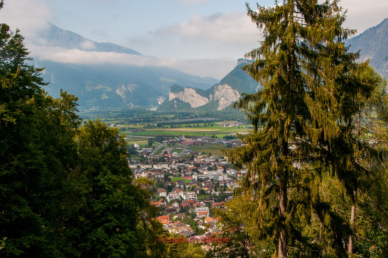 Blick auf Bad Ragas im Rheintal