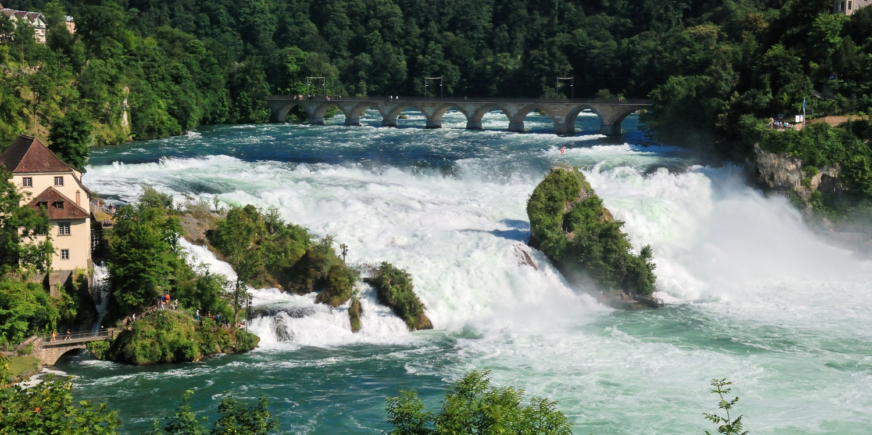 Rheinfall bei Schaffhausen und bei Neuhausen